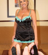 Heavy toy extravaganza. Blonde with great make love breasts and