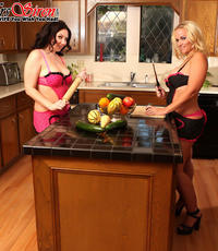 Sapphic play with veggies. Two lascivious sluts play with veggies
