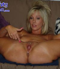 Alysha plays ball. Lascivious blonde stuffs various balls in her cunt